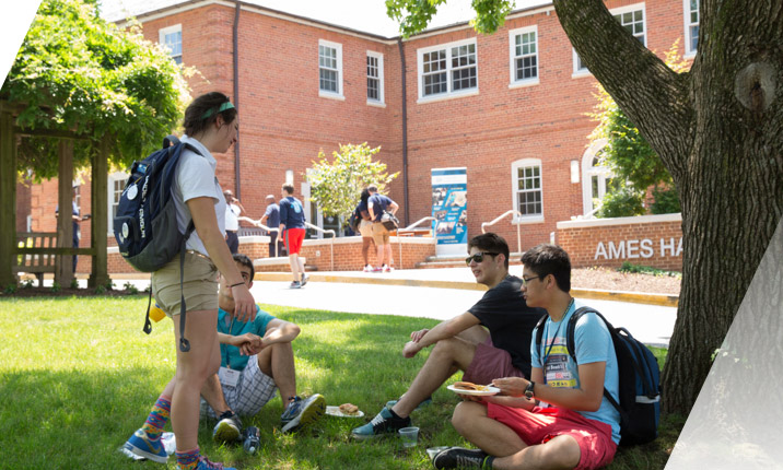 Student gather on Mount Vernon Campus